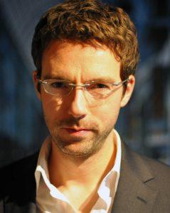 Portraitfoto Dr.-Ing. Thorsten Klaus